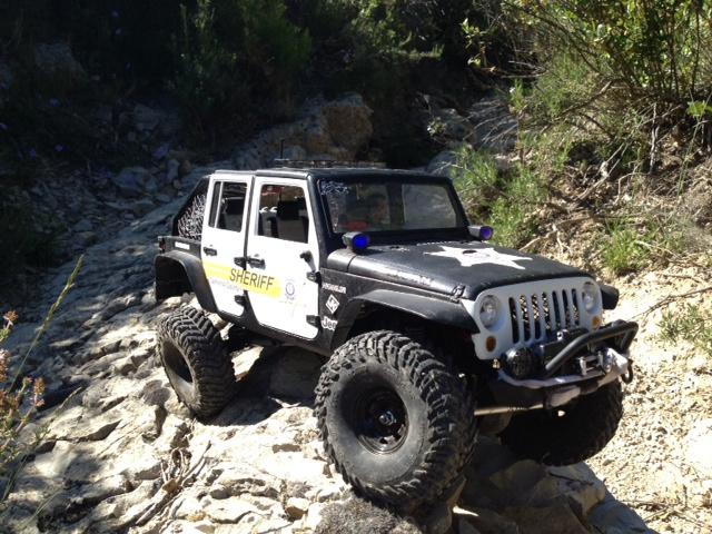 AXIAL SCX10 Jeep JK SHERIFF !! - Page 4 269452jeepjkSHERIFF47