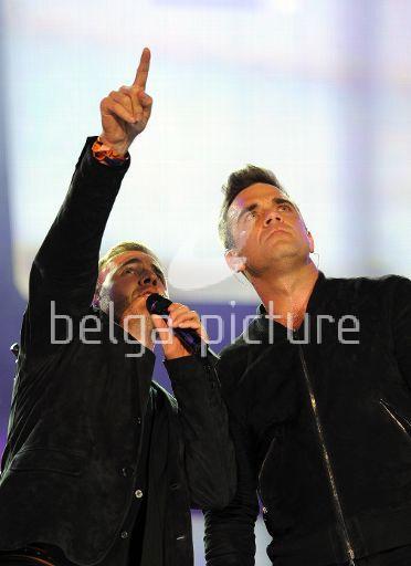 Robbie et Gary au concert Heroes 12-09/2010 27009722295439