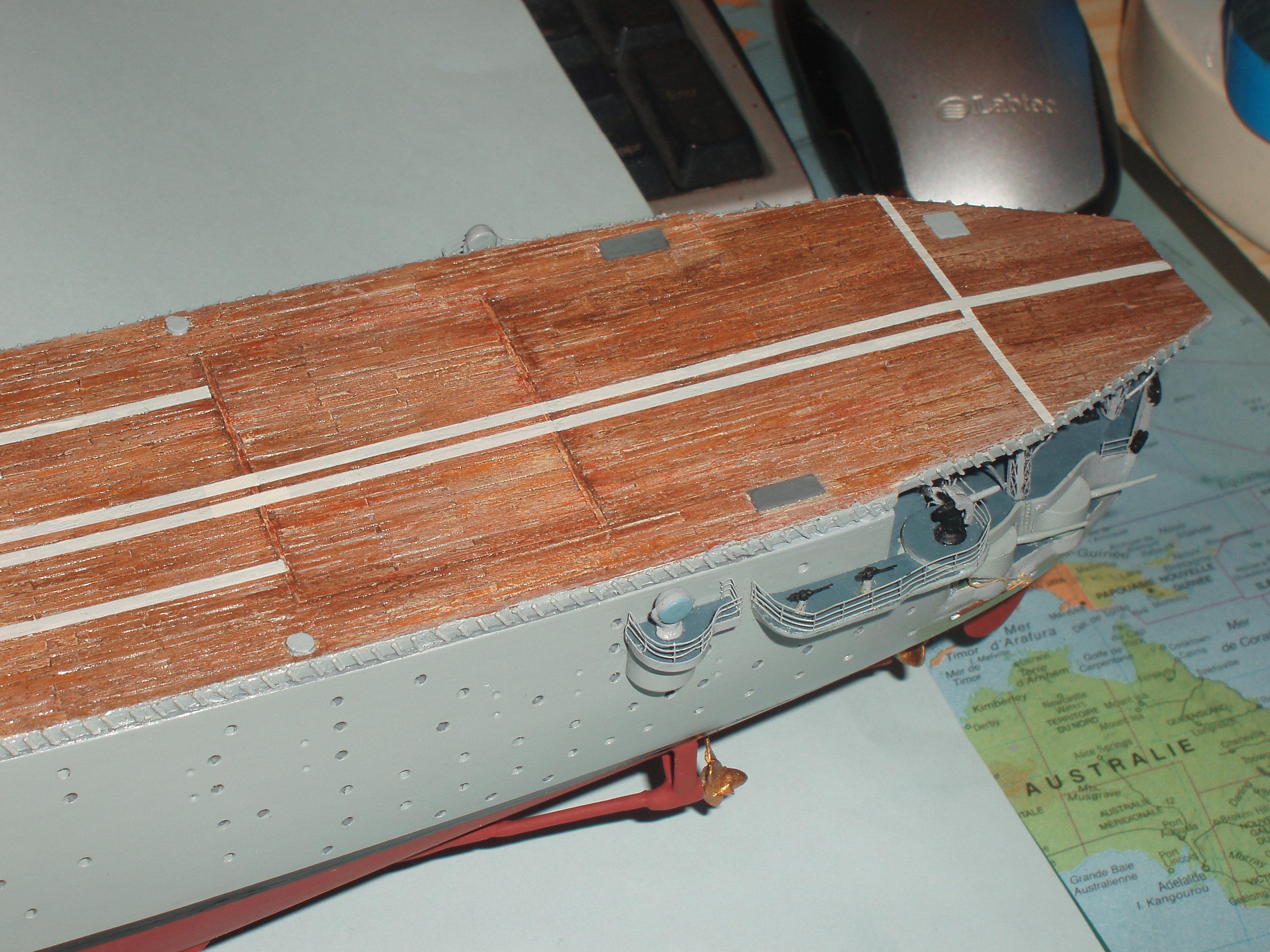 Le porte avions BEARN de l' ARSENAL 270943dio006