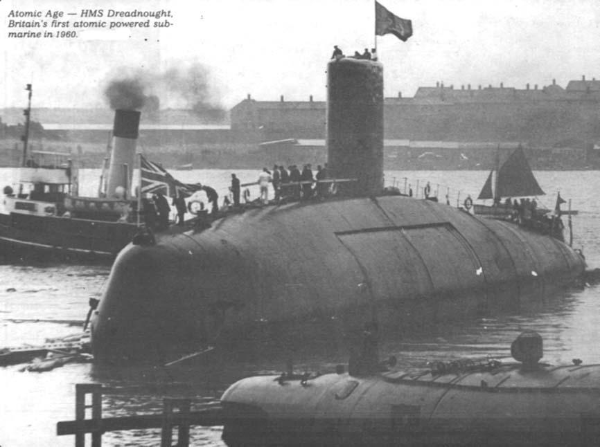 SOUS MARIN NUCLEAIRE D'ATTAQUE HMS DREADNOUGHT 280156HMS_Dreadnought_pour_CT