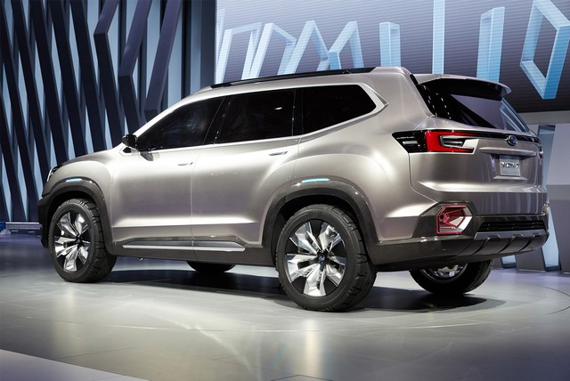 Subaru a dévoilé le concept VIZIV-7 SUV au salon Los Angeles 2016  285539motorshowliveconcept5