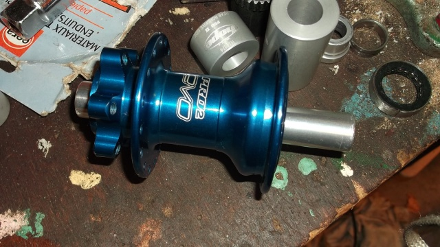 Remontage roulements Hope Pro Evo 2 AR 287147DSCF1194