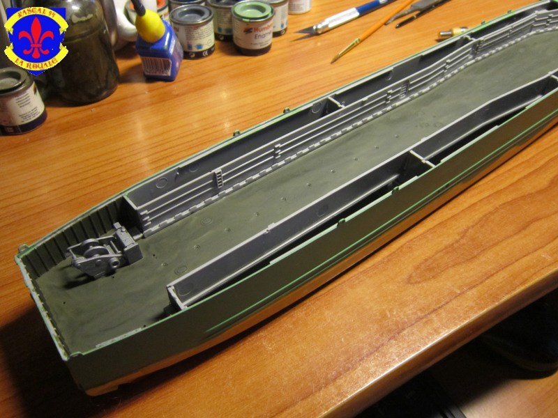 U.S. Navy Landing Ship Médium (Early) au 1/144 de Revell par Pascal 94 - Page 2 291286IMG41361