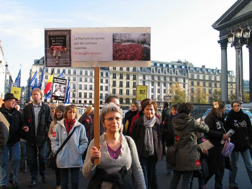 07 - Marche contre la fourrure - Paris 19 novembre 2011. 292408IMG6493