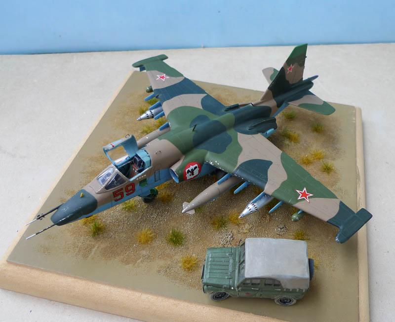 [Zvezda] - Sukhoi 25 en Afghanistan. 300554Su2505