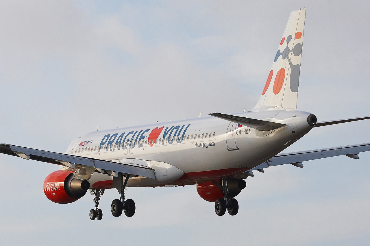 "[22/12/2013] A320 (OM-HCA) Travel Services Slovakia ""Prague loves You"" c/s 300886GRX9500"
