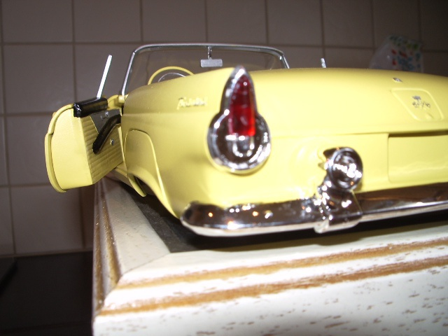 ford thunderbird 1955 au 1/16 de chez amt  301808014