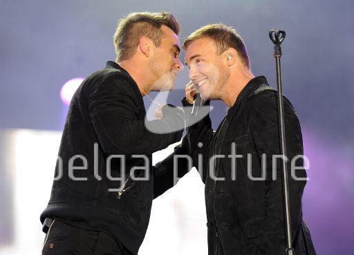 Robbie et Gary au concert Heroes 12-09/2010 30304222295442