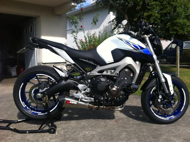 Photos de toutes les Yamaha MT-09 du forum ! :) 304049YLilian64