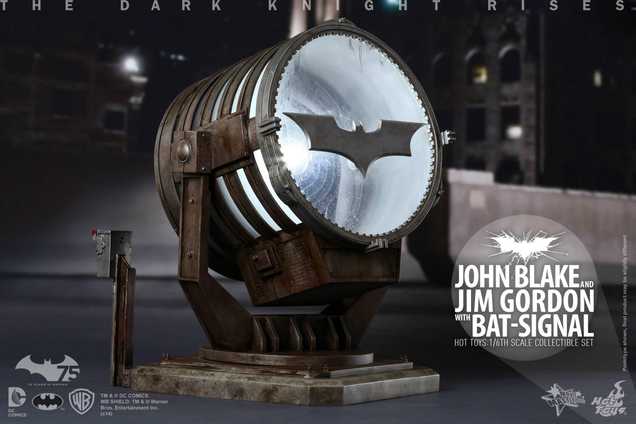 THE DARK KNIGHT RISES - Lt. JIM GORDON & JOHN BLAKE w/BATSIGNAL 307322102