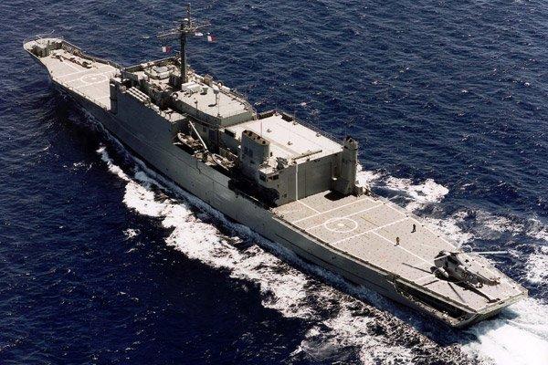 LANDING SHIP TANK (LST) CLASSE NEWPORT  316571HMASManoora
