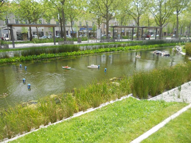 démo de maquettes navigantes sur la place Napoléon à la Roche S/Yon le 31 Mai et le 1er Juin 321247DSCN4039