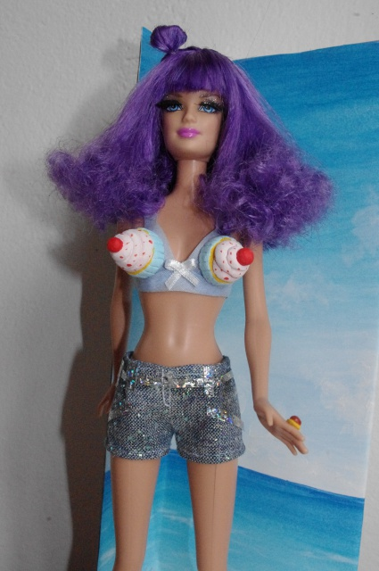 Katty Perry: California girl^^ 321390kattyperry25