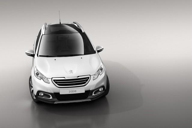Peugeot 2008 : premières photos officielles ! 322981peugeot2008up