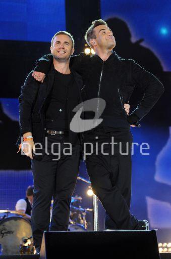 Robbie et Gary au concert Heroes 12-09/2010 32312322295394