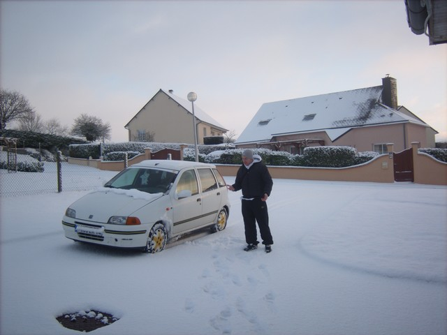 Mercredi 06 janvier 2010 - (Neige à Pont Farcy - 7 à 10 cm) 323199Jan06321