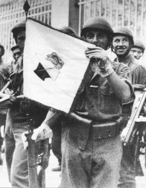 Le Bataillon de Choc 1943/1963. Photos. 324230Fanion1943