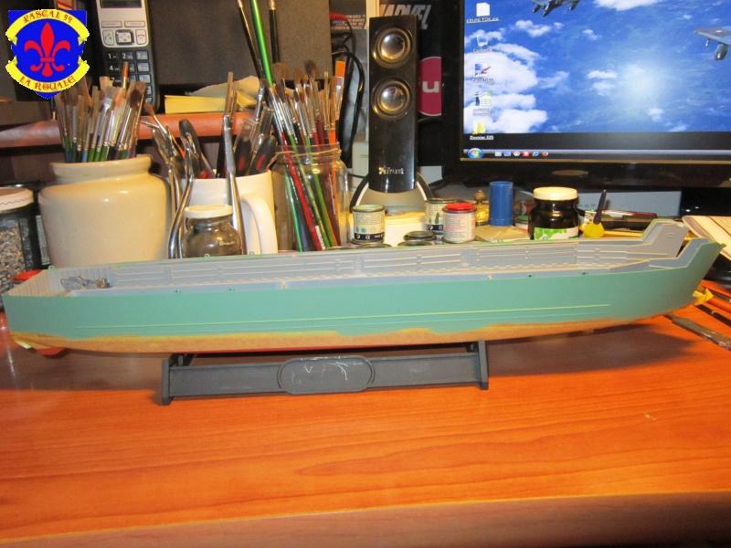 U.S. Navy Landing Ship Médium (Early) au 1/144 de Revell par Pascal 94 - Page 2 324511IMG41311