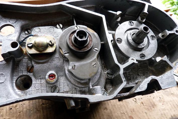 MZ 125 TS changement de roulements d'une MZ 125TS - Page 4 325625P1030406