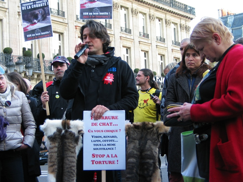 07 - Marche contre la fourrure - Paris 19 novembre 2011. 330225IMG6675