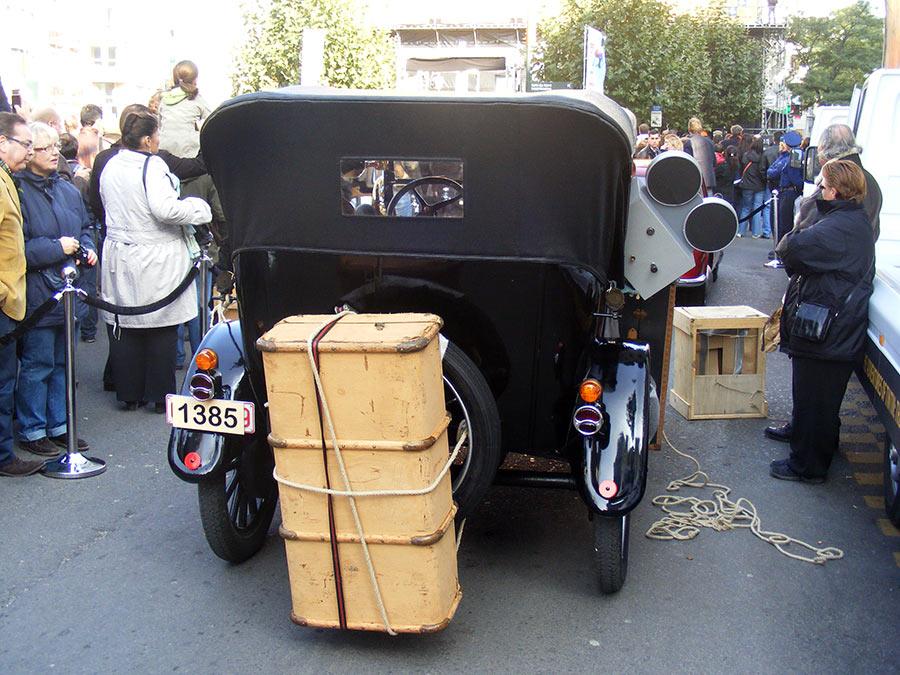 """Bruxelles côté BD  """"Tintin en automobile"""" - Page 2 331643DSCF6280"""