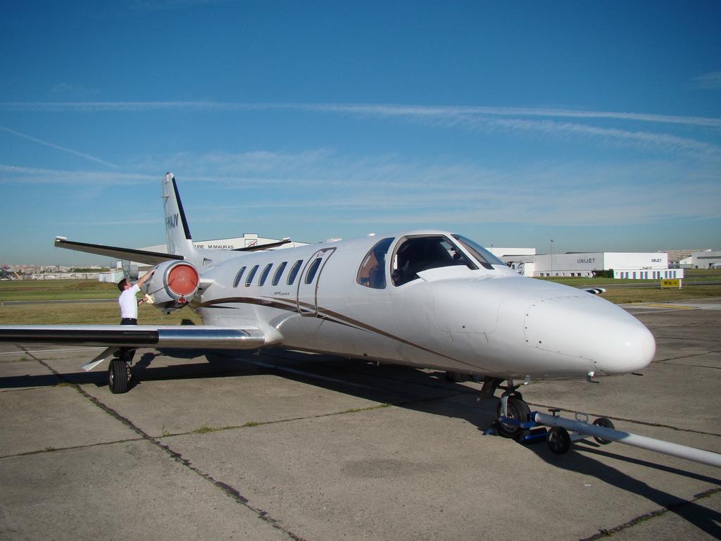 Vol en Cessna 550 CitationII , Cannes-Le Bourget 336885DSC03455