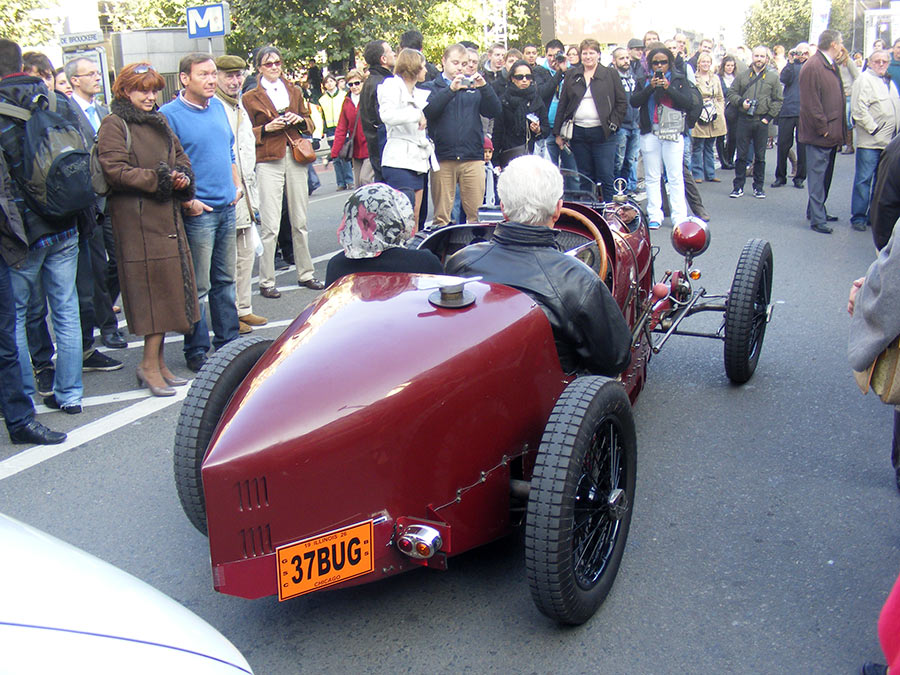 """Bruxelles côté BD  """"Tintin en automobile"""" 338317DSCF6168"""
