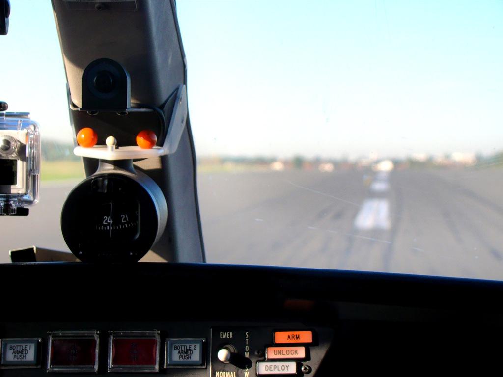 Vol en Cessna 550 CitationII , Cannes-Le Bourget 339529DSC03426
