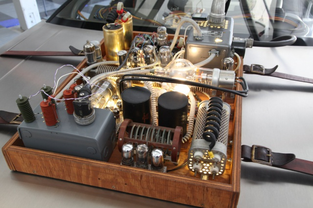 Projet Back to the Future 341102ScreenUsedBackToTheFutureDeloreanCarMoviePropBTTF11