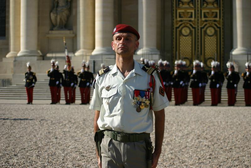 Le Général BLACHON ancien chef de corps du 1er RCP va commander les Ecoles de St Cyr Coëtquidan 341799img3322