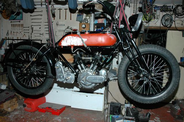Moto René Gillet 750 type G 1929 - Page 6 342608DSC0773