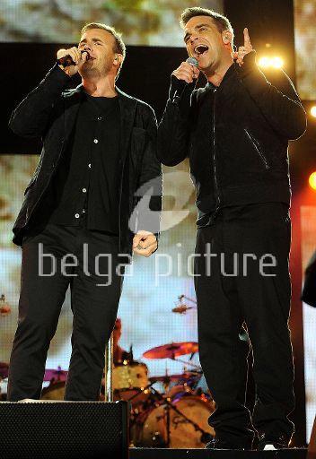 Robbie et Gary au concert Heroes 12-09/2010 34668322291856