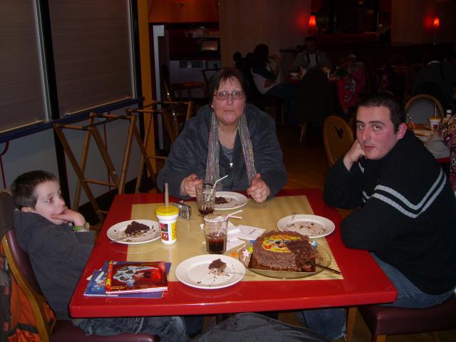 [Disneyland Paris] Premier séjour au DLH (31 janv.-2 fév. 2011) + un anniversaire inoubliable ! - Page 4 355638151