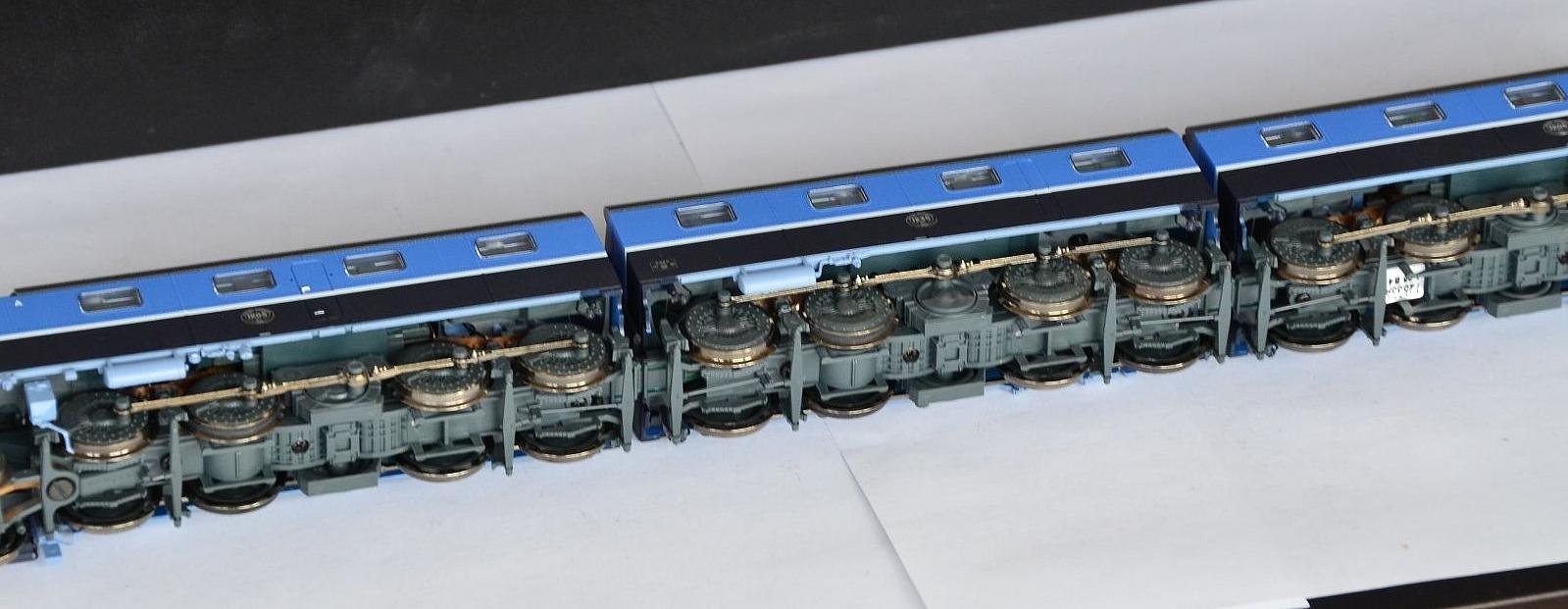 Les machines D/Da/Dm/Dm3 (base 1C1) des chemins de fer suèdois (SJ) 355837Roco72533SwedenSJDM3ElectricEngineGloriaLiverySoundDCCfichiers