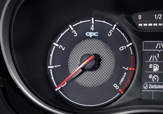 Nouvelle Opel Corsa OPC : gros muscles à prix raisonnable 360024OpelCorsaOPCInterior292974