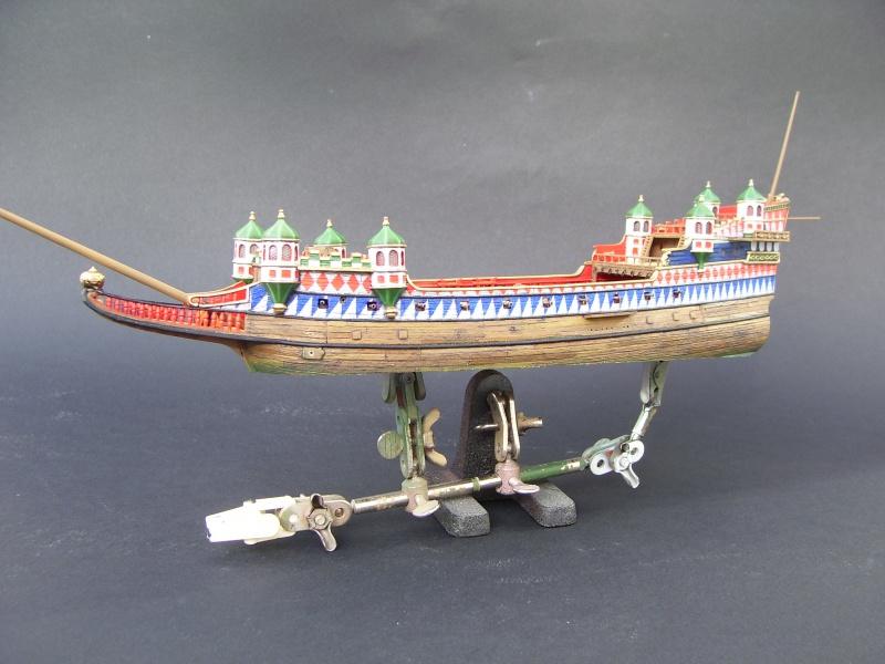 HMS ELIZABETHAN 1/200  - Page 3 366201Photo050