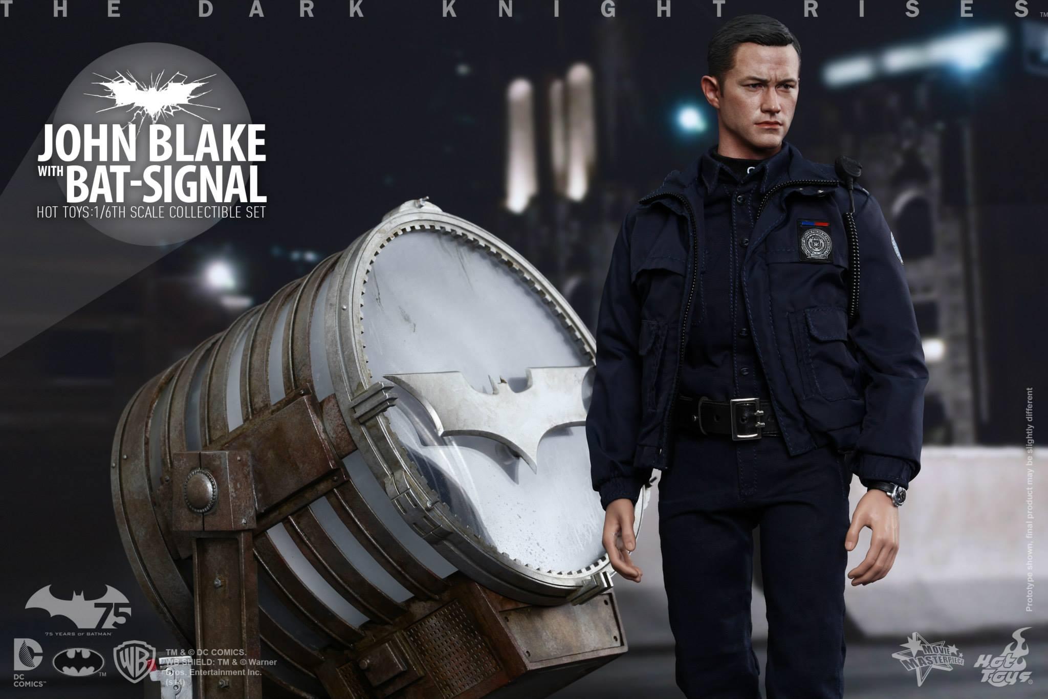 THE DARK KNIGHT RISES - Lt. JIM GORDON & JOHN BLAKE w/BATSIGNAL 367783102