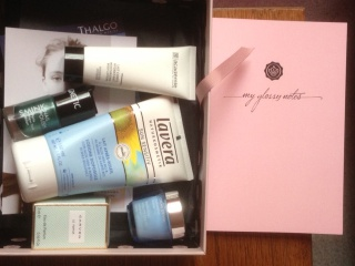 "[Mai 2013] Glossybox ""Lovely"" - Page 4 369719photook"