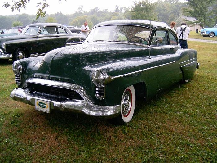 Oldsmobile 1948 - 1954 custom & mild custom - Page 2 372435HPIM0995