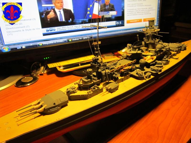Croiseur de bataille Scharnhorst  au 1/350 de dragon - Page 7 373124IMG1391L