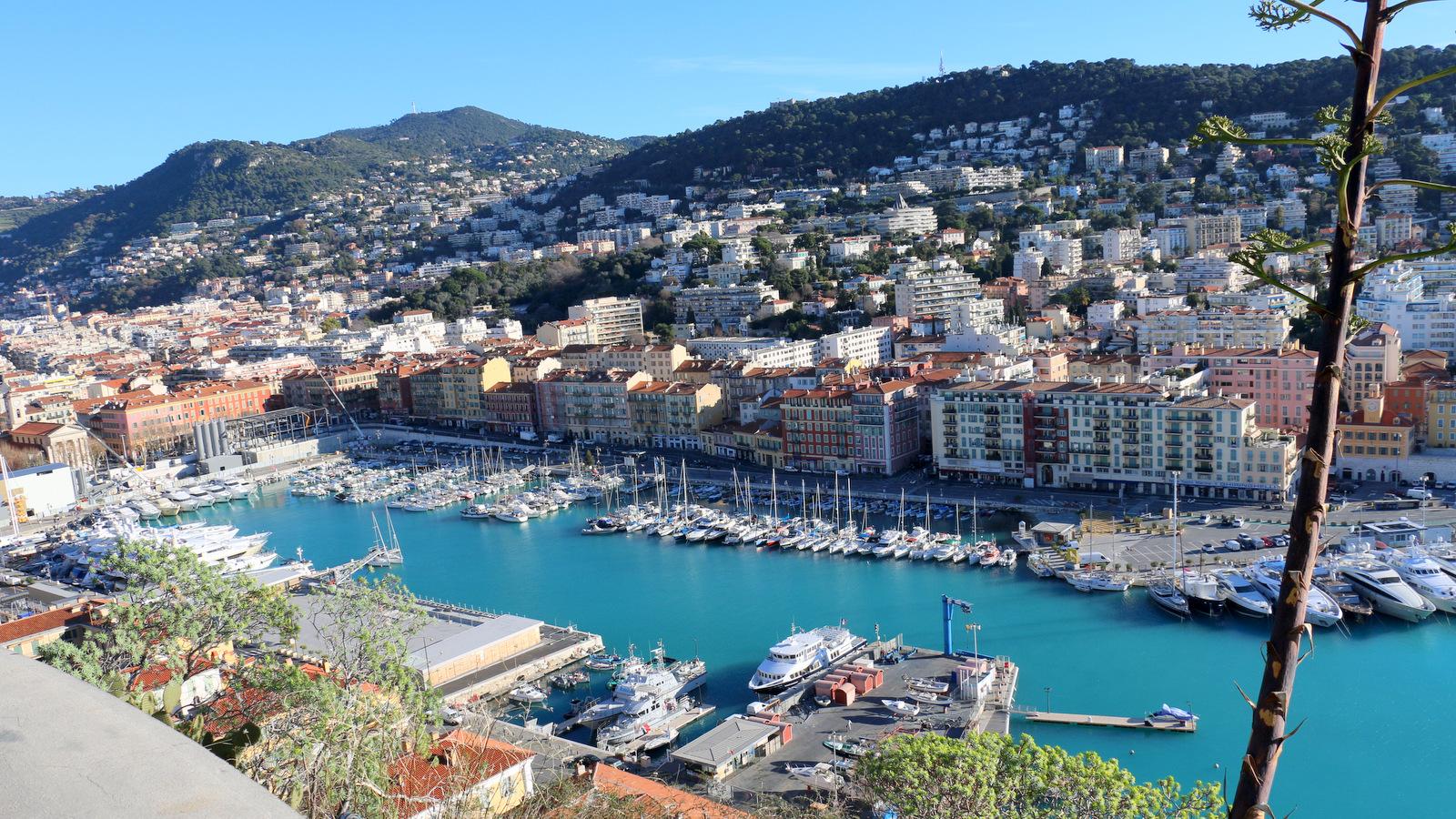 [Vie des ports] Le Port de Nice - Page 3 374521IMG2169