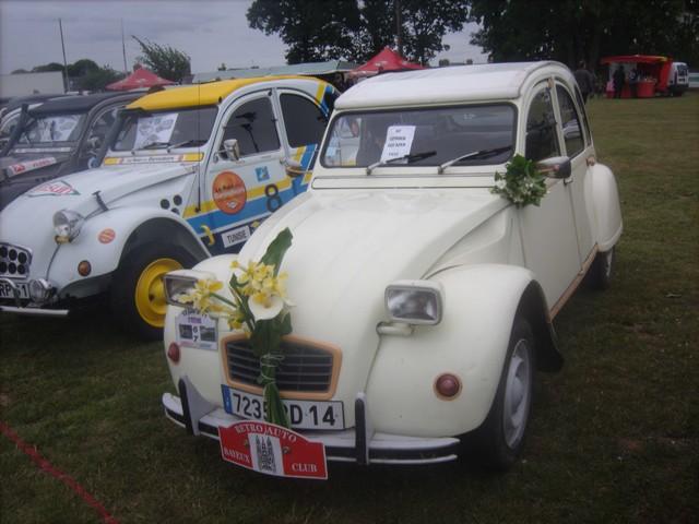 Landelles et Coupigny 2011 : fête de pantecôte  (voitures an 378567Jun13120