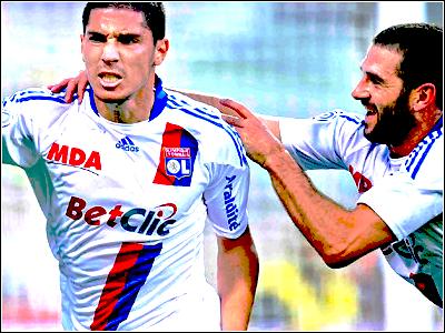Olympique Lyonnais - Page 3 379275piedlicha