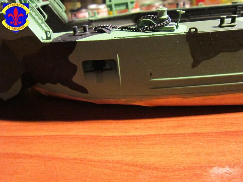 U.S. Navy Landing Ship Médium (Early) au 1/144 de Revell par Pascal 94 - Page 9 379940IMG42591