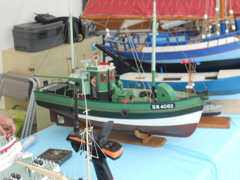 démo de maquettes navigantes sur la place Napoléon à la Roche S/Yon le 31 Mai et le 1er Juin 381455DSCN4015