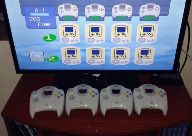 Le Freak Show d'Open-consoles: une Dreamcast en GOD MOD 3819741219579416606461708602827660943024600139443n