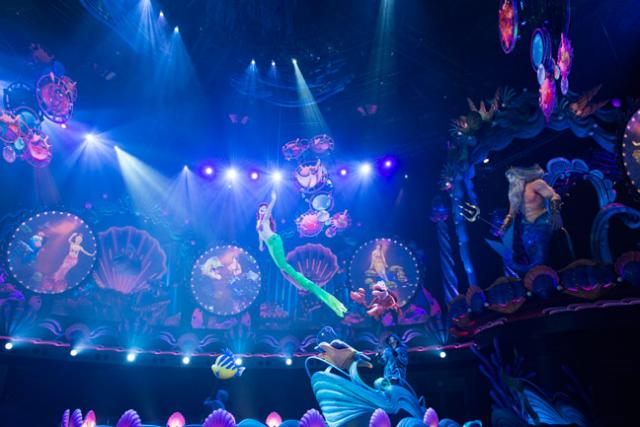 [Tokyo DisneySea] Nouveau spectacle : King Triton's Concert (24 avril 2015) - Page 2 382681tri1