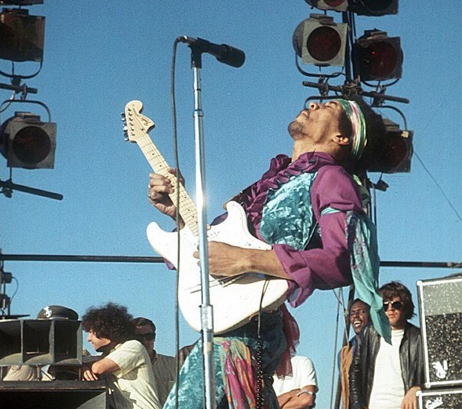 San José (Santa Clara County Fairgrounds) : 25 mai 1969 385237Jimi24