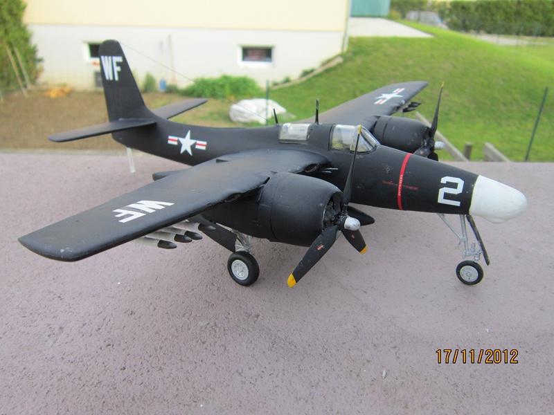 F-7F 3N Tigercat 1/48 de Italeri (ajout de photos avec le soleil) 385642IMG0766800x600