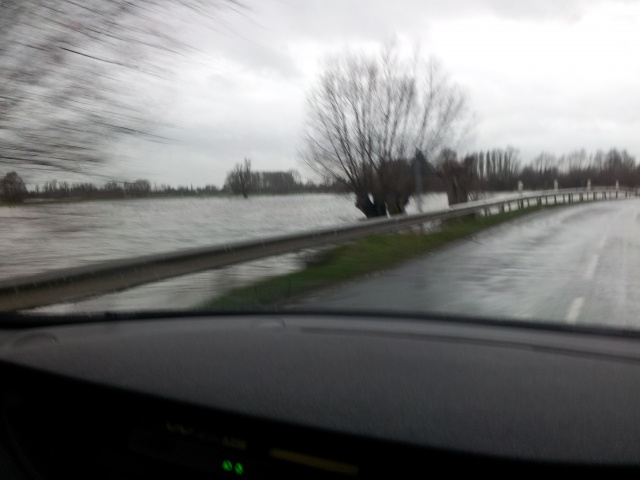 reportage inondations Nord France 4/11/2012 - Page 3 39080720121230162311